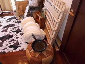 宝塚市でベッド枠、まくらなど回収のビフォー写真