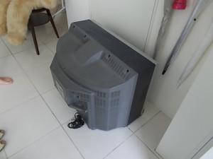 明石市内でテレビ回収のビフォー写真
