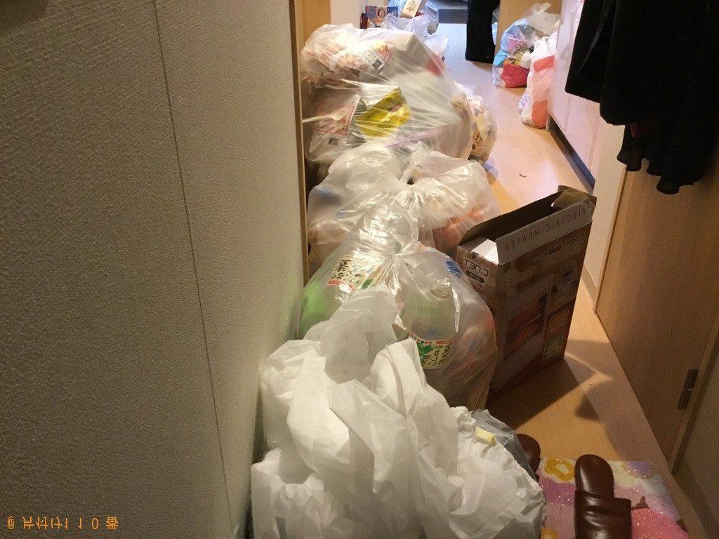 【伊丹市】ゴミを袋に詰める作業など部屋の片付け作業 お客様の声