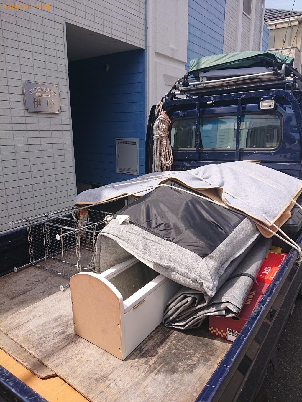 【伊丹市】二人掛けソファー、テレビ台、電気カーペット等の回収