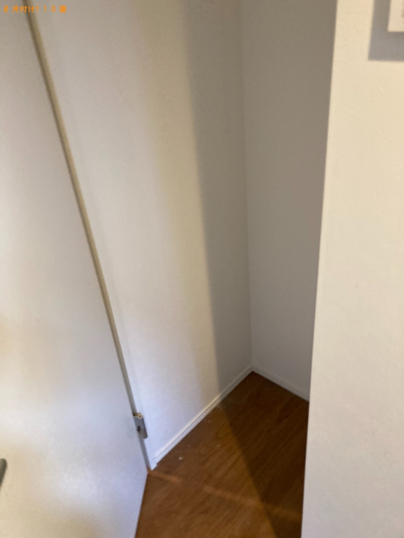【尼崎市】遺品整理で冷蔵庫、カラーボックス、椅子、学習机等の回収