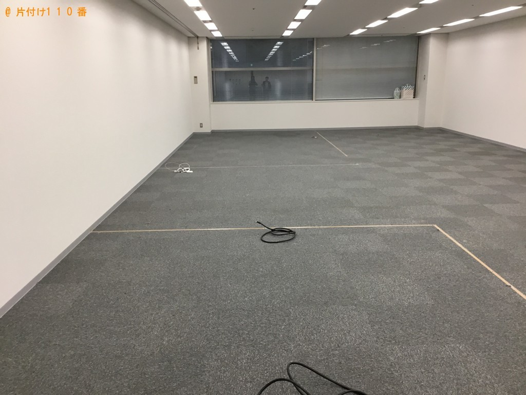 【神戸市中央区】テーブル、テレビ、その他業務用品の回収・処分