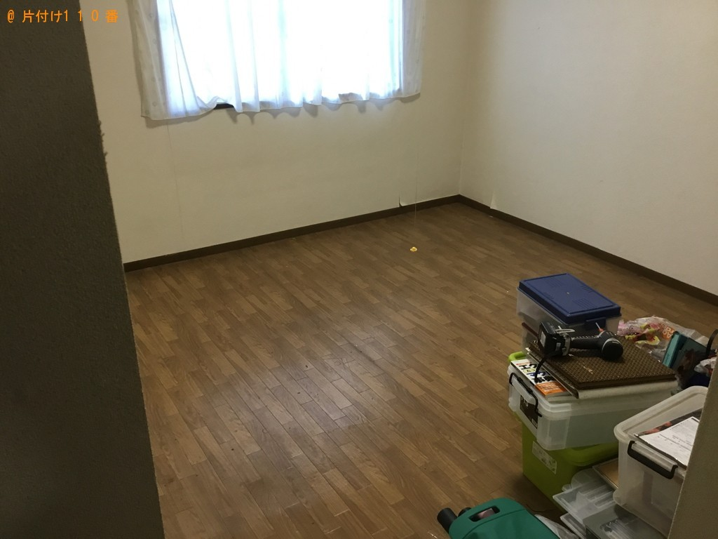 【神戸市長田区】食器棚、PCデスク等の回収・処分ご依頼