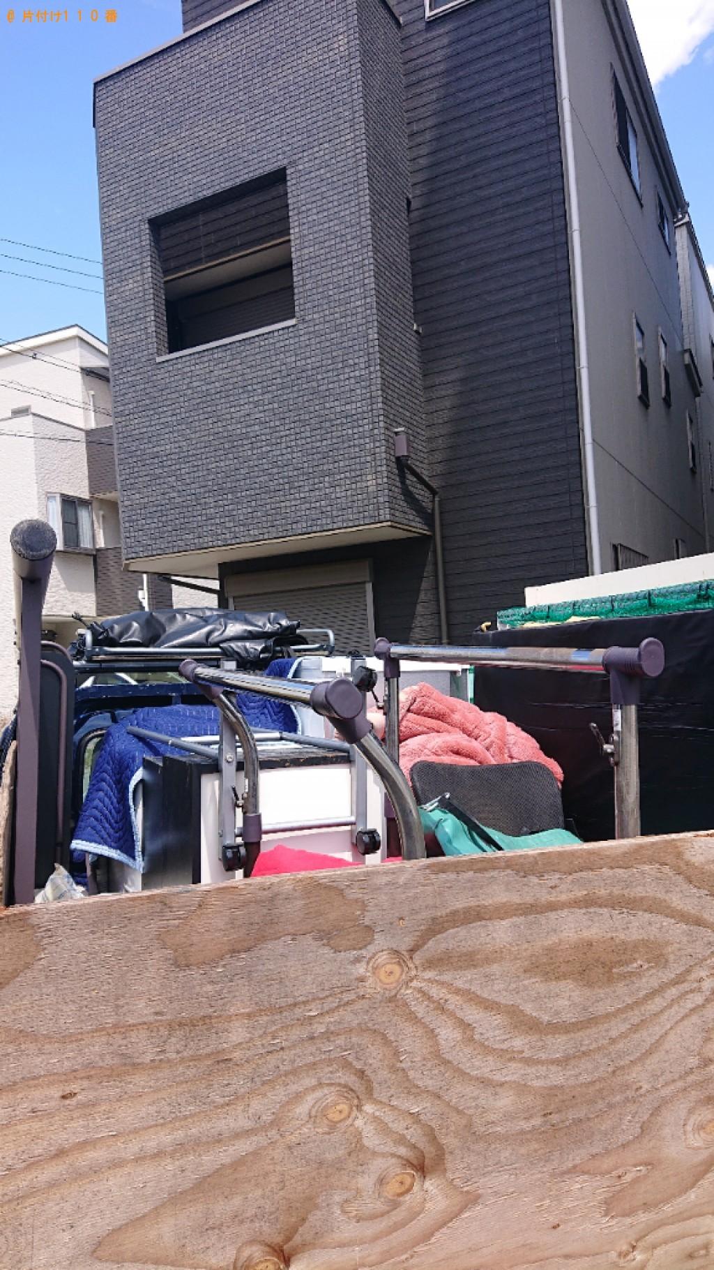 【西宮市今津曙町】冷蔵庫、テレビ、洗濯機、パソコン、本棚等の回収