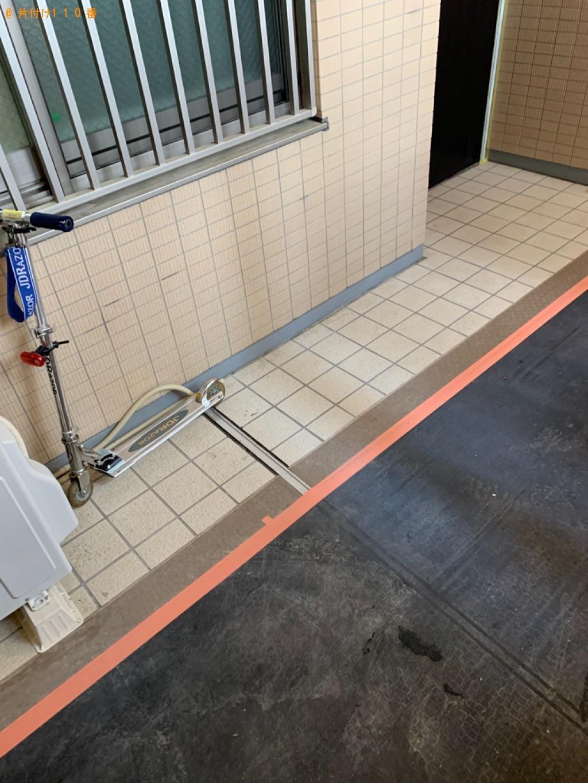 【西宮市川添町】マッサージチェア、カラーボックス等の回収・処分