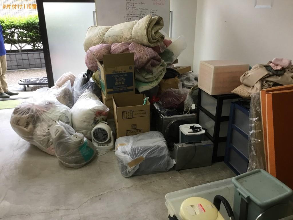 【宝塚市】四人用ダイニングテーブル、椅子、布団、加湿器等の回収