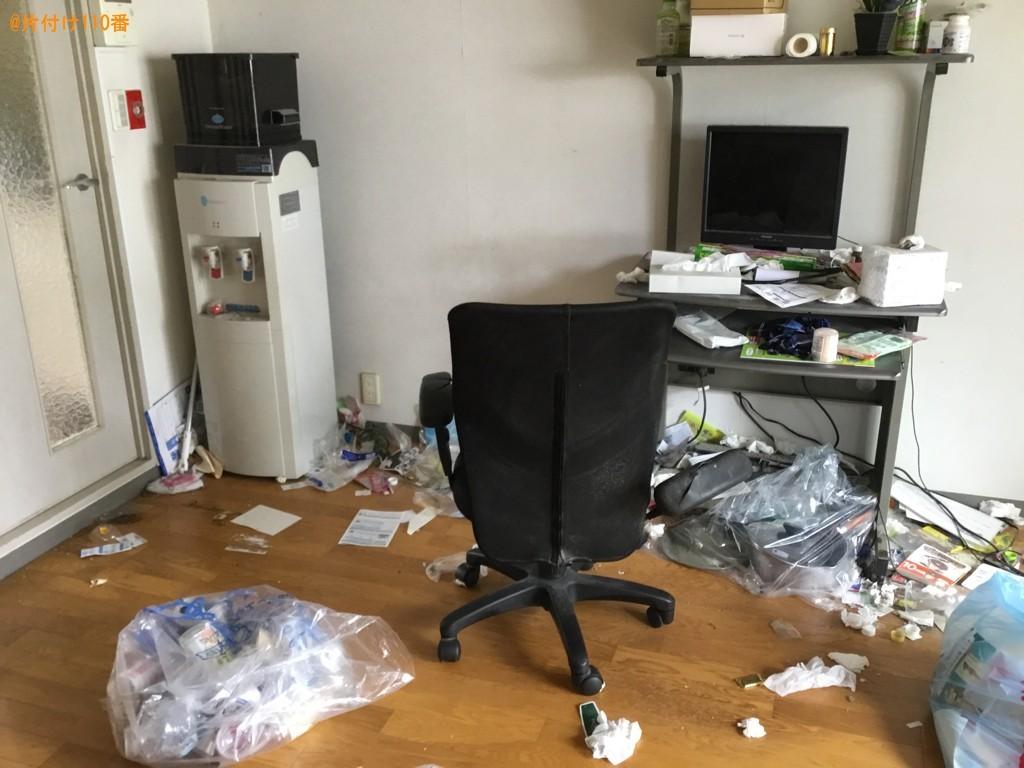 【神戸市兵庫区】PCデスク、椅子の回収とハウスクリーニングご依頼